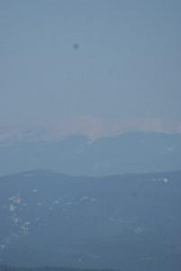 Blik op de Mont Ventoux vanuit het zuiden (Luberon)...