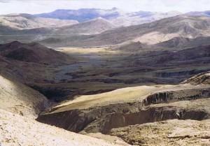 Uitzicht vanaf de Lagpa La...