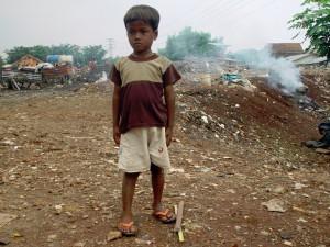 Jakarta leven in een slum (sloppenwijk)