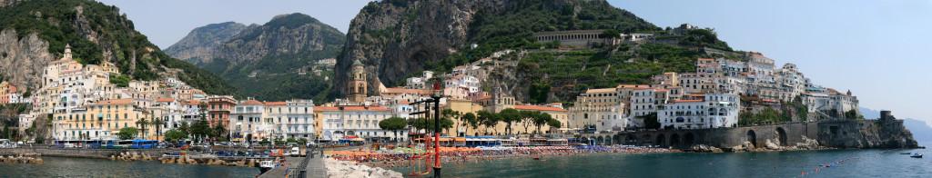 Panorama van Amalfi...