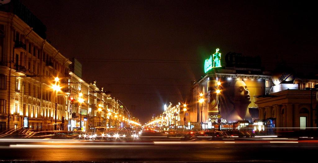 Nevsky_Prospect,_St._Petersburg,_Russia