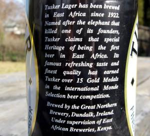 Etiket tekst van Tusker bier...