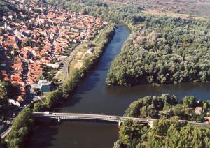 Samenvloeiing van de Bodrog in de Tisza bij Tokaj...