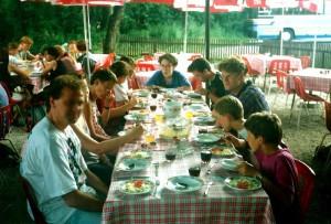 Ergens eten langs de Donau...