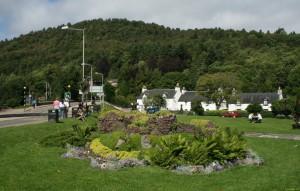 Het dorpje Drumnadrochit vlakbij Urquhart Castle...