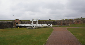 Hoofdingang van Fort George...