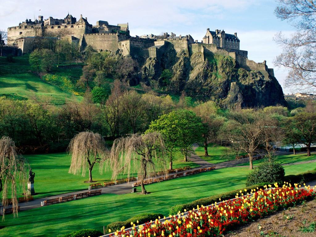 Edinburgh Castle vanaf de Princess Street Gardens...