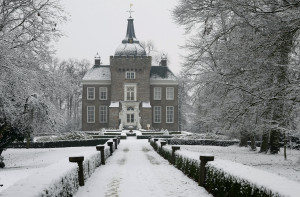 Kasteel Merckenburg of Kasteel Heukelum in de winter...