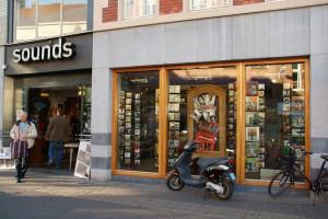Sounds: de grootste platen- en cd zaak van Nederland...
