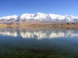 De Kongur gezien vanaf Lake Karakul...