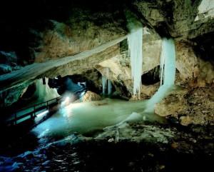 Via een gang bovenin de grot had je dit prachtige uitzicht...