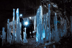 De grot was ook mooi en ijzig verlicht...