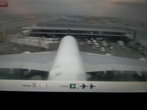 When I had bought everything was time for a nice big beer. Via two onboard cameras were to follow the whole flight ...