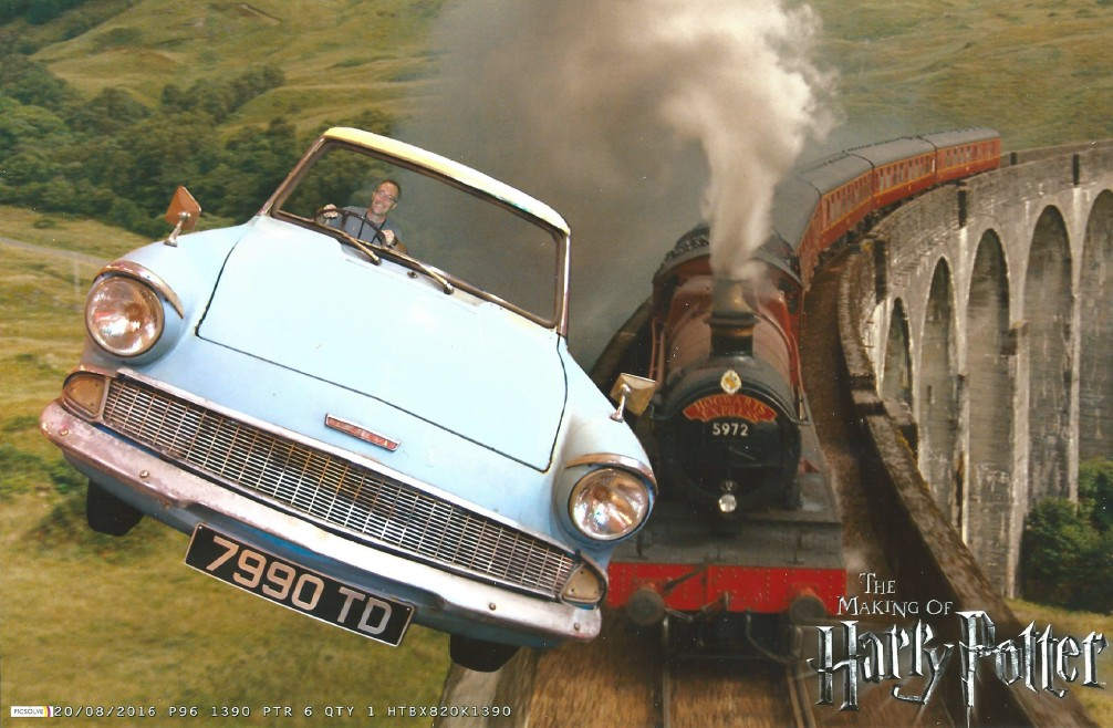 The Wandelgek in the Ford Anglia...